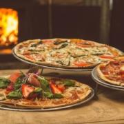 3 pizze na różnych bazach